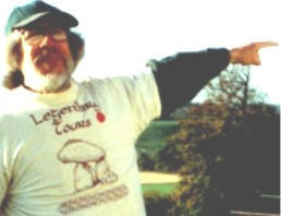 Richard Marsh pointing the way in a Legendary Tours T-shirt. Photo by Cindy Kolanko
